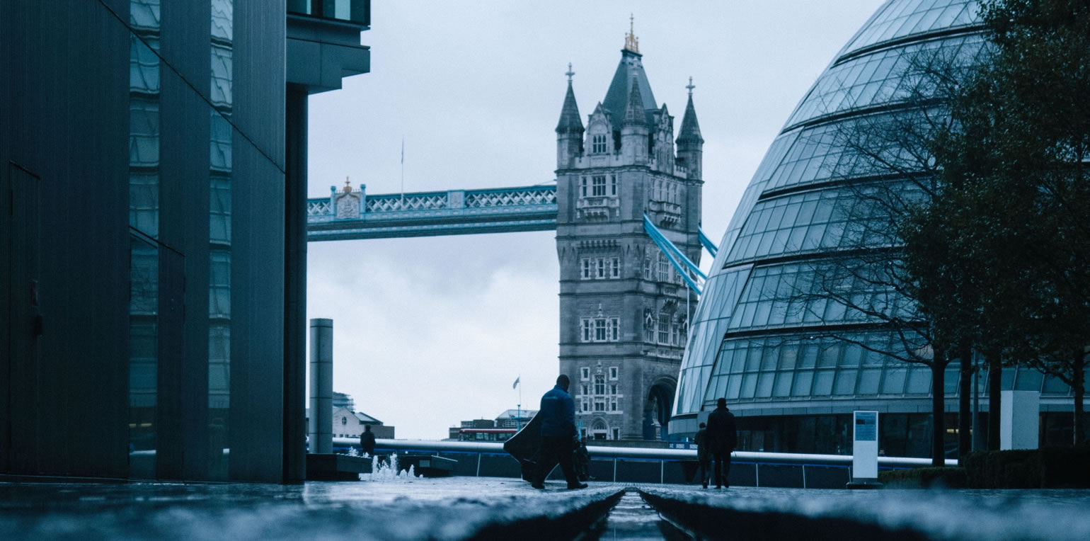 London, Kanal und Tower Bridge